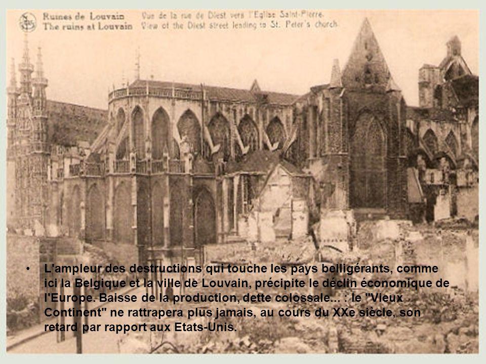 •Les villes de Belgique, comme ici Comines (Hainaut), n'ont pas été épargnées par la Première Guerre mondiale. Bien que neutre, le plat pays est envah