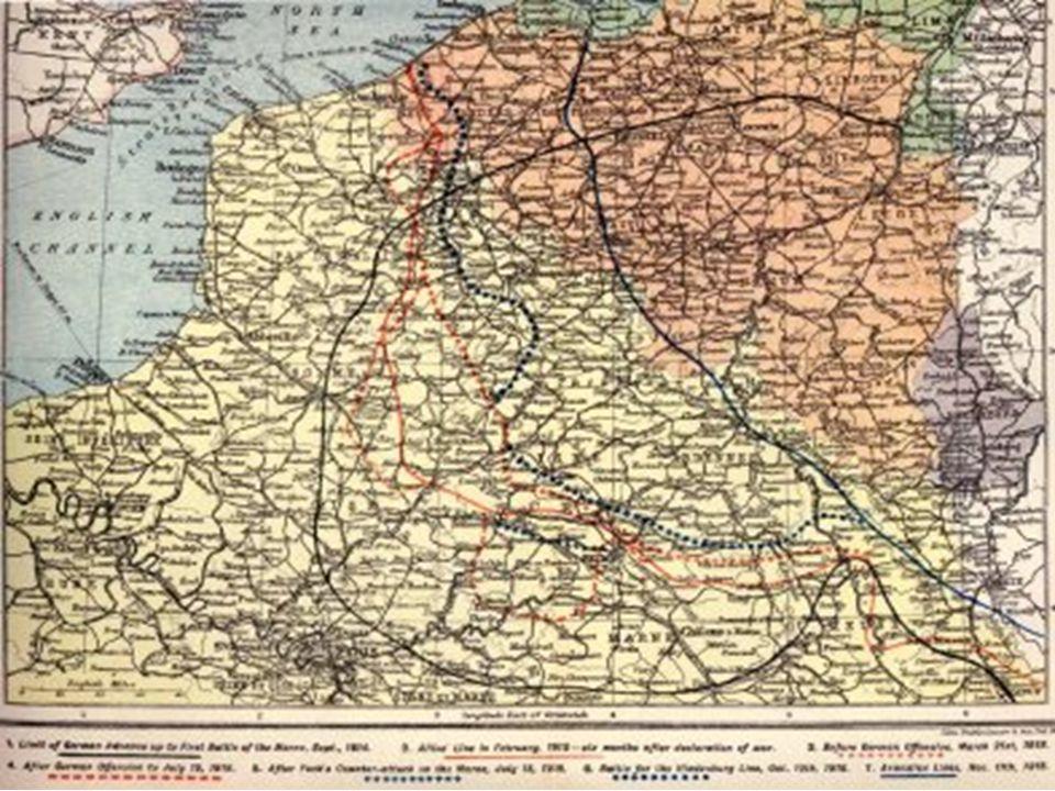 23 août Le Japon, allié de l'Angleterre, déclare la guerre à l'Allemagne dont il revendique les concessions chinoises. •29 novembre •La Turquie entre