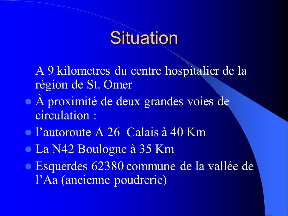 Situation A 9 kilometres du centre hospitalier de la région de St. Omer  À proximité de deux grandes voies de circulation :  l'autoroute A 26 Calais