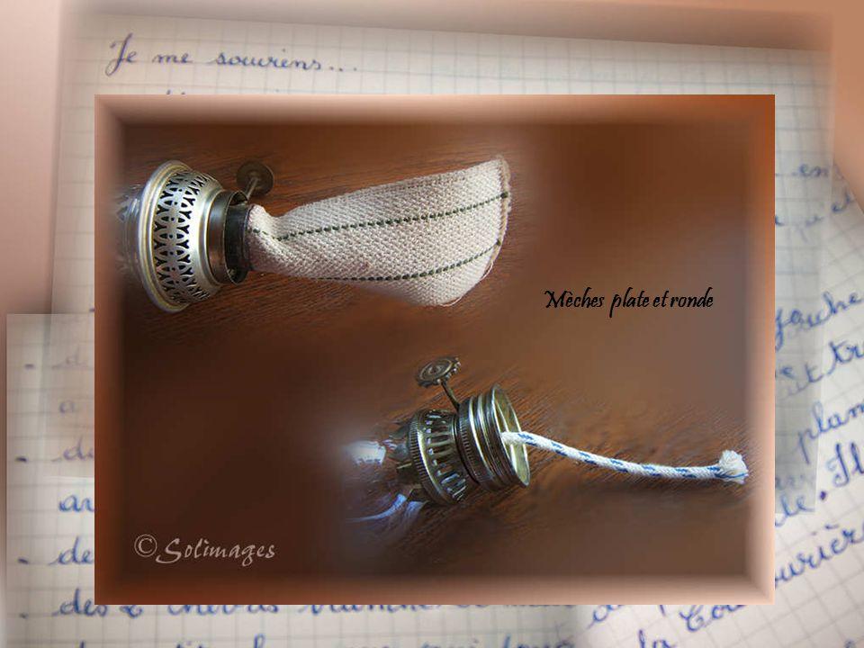 Petites lampes fantaisie à mèches rondes On peut trouver différentes formes de mèches pour différentes formes de flammes: plates, arrondies, etc, suiv