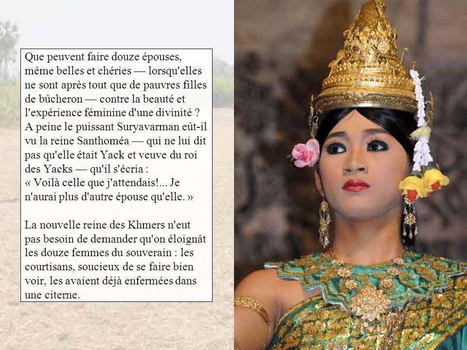 La reine Santhoméa, fort rancunière d'avoir été bernée par des mortelles, mit en ordre les affaires de son royaume et se présenta l'année suivante au