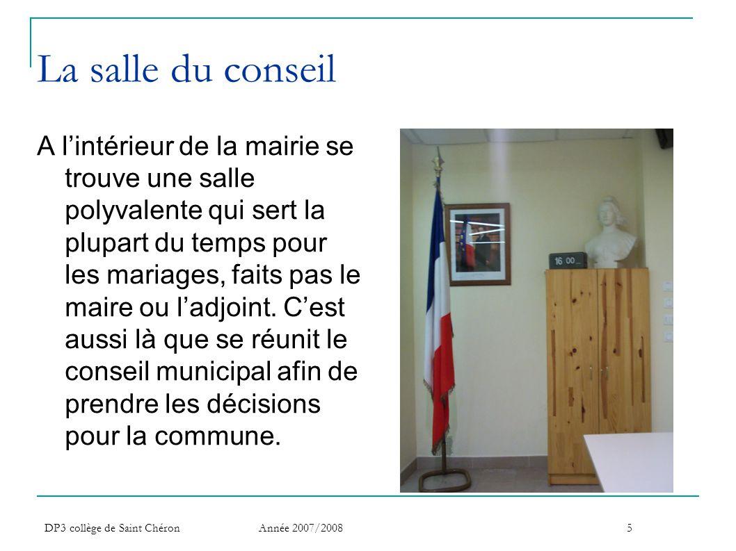 DP3 collège de Saint Chéron Année 2007/20086 Les métiers proposés par une mairie Dans une mairie, il y a différents secteurs Le personnel municipal est composé de 110 employés.