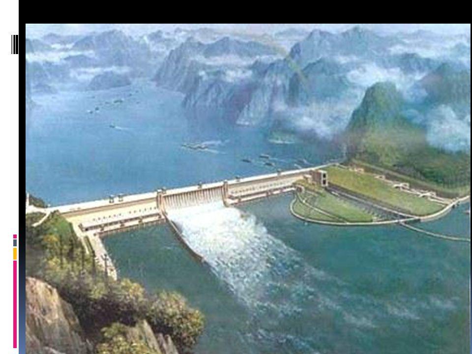Les barrages hydroélectriques  L'énergie de l'eau en mouvement est transférée en énergie électrique.