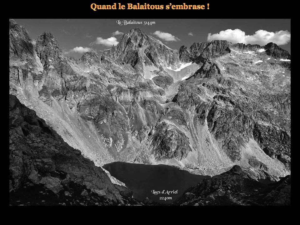 ... Pic d'Orhy 2017m et pic d'Anie 2504m.