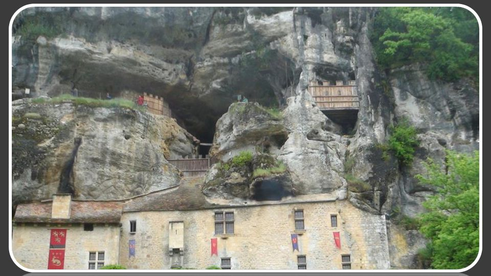 Autre site troglodytique à quelques km de La Roque St Christophe