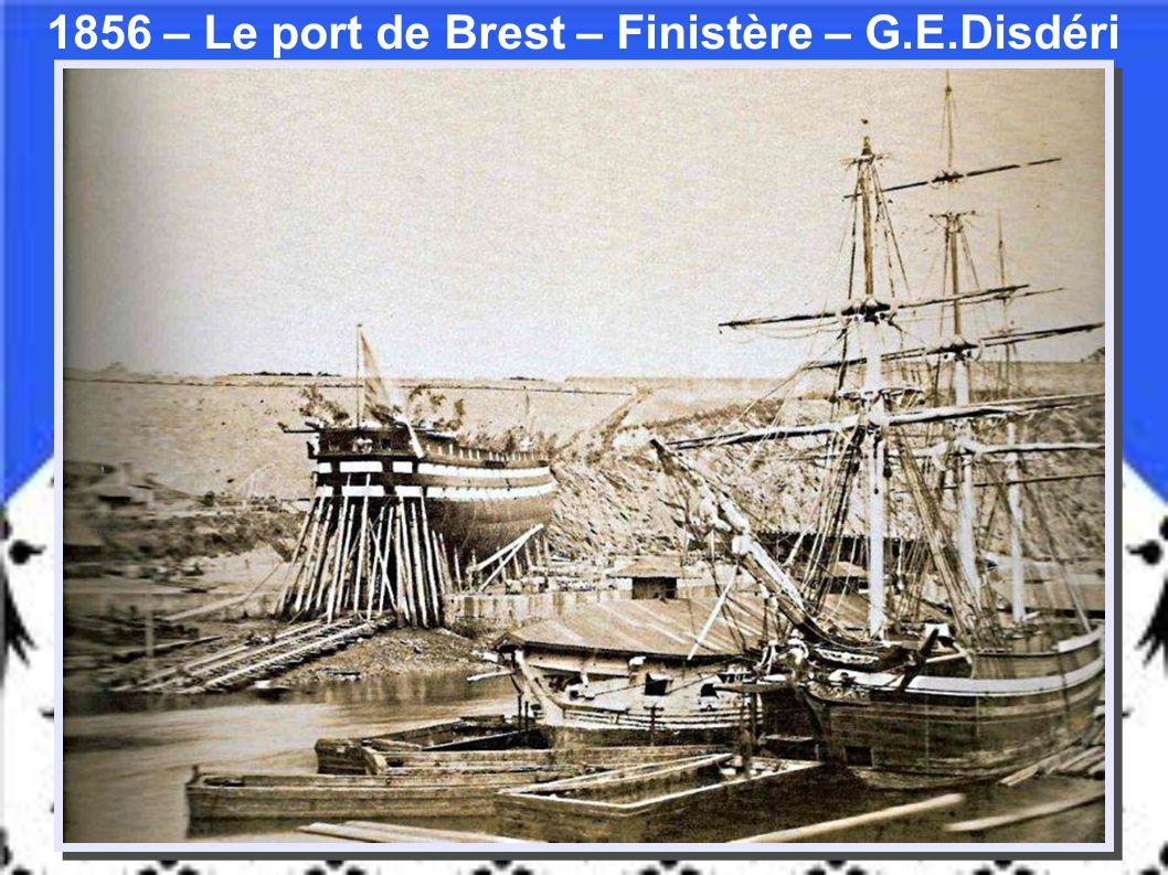 1924 - « Une famille Bretonne bat du Sarrasin » Gervais- Courtellement