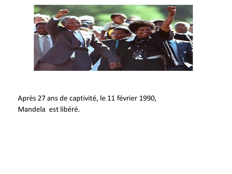 Le 9 mai 1994, Mandela devient le premier president noir de l'Afrique du Sud à la suite des premières élections multiraciales d'Afrique du Sud.