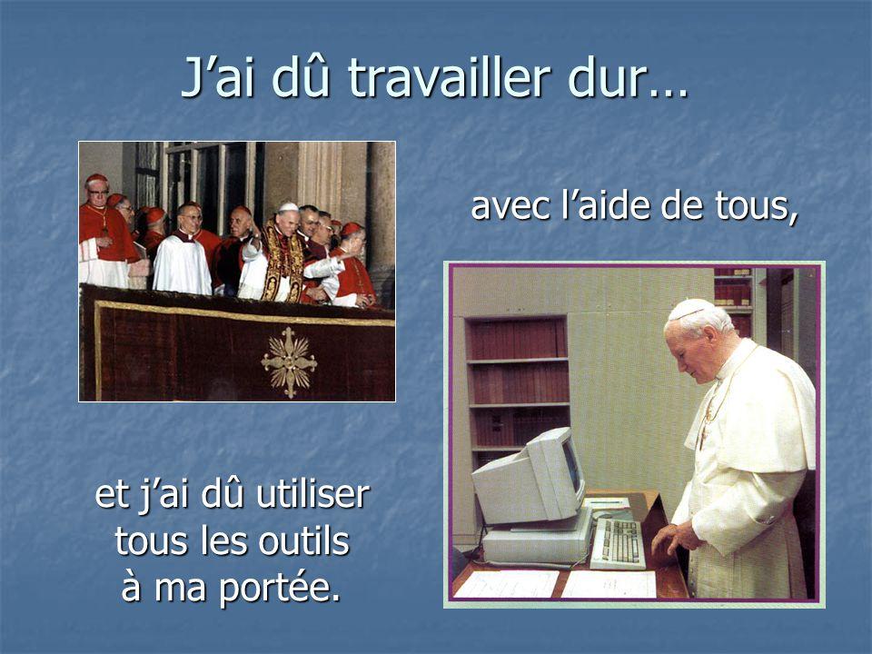 Un jour, j'ai été élu Souverain Pontife et ensuite ma vie, et peut-être la vôtre, a changé… Un jour, j'ai été élu Souverain Pontife et ensuite ma vie,