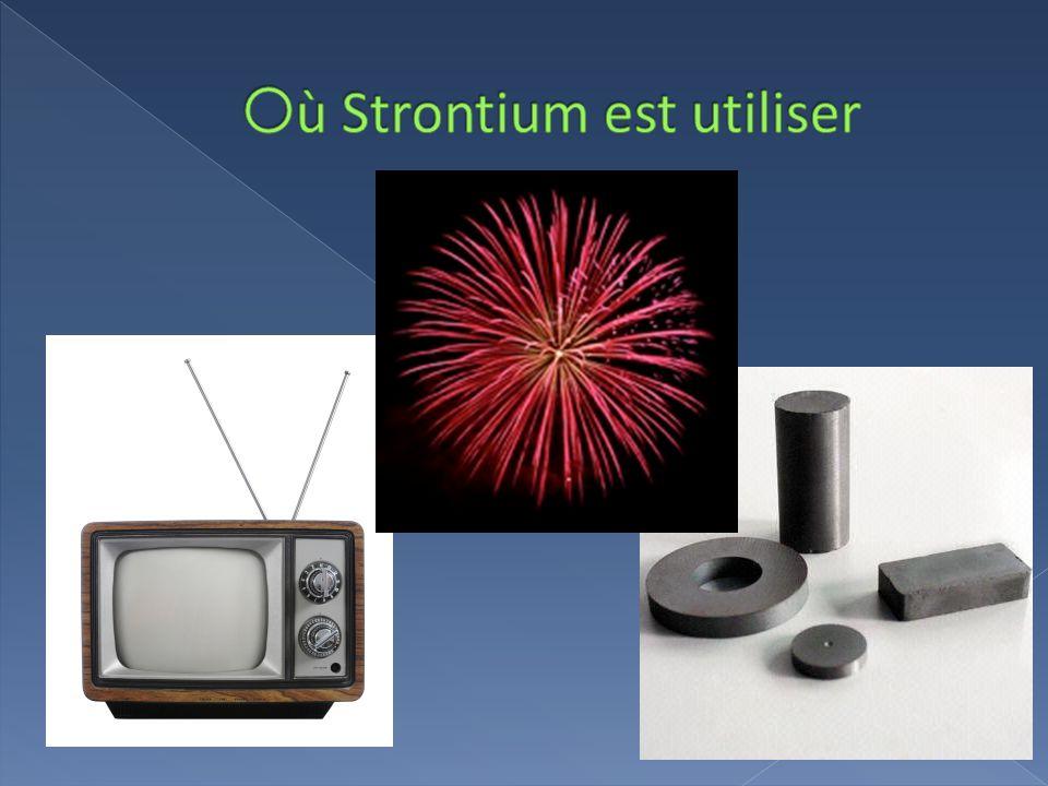  žStrontium a quatre stable types qui arrivent naturellement.