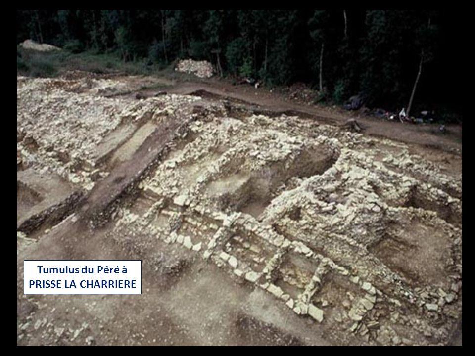 Tumulus du Péré à PRISSE LA CHARRIERE