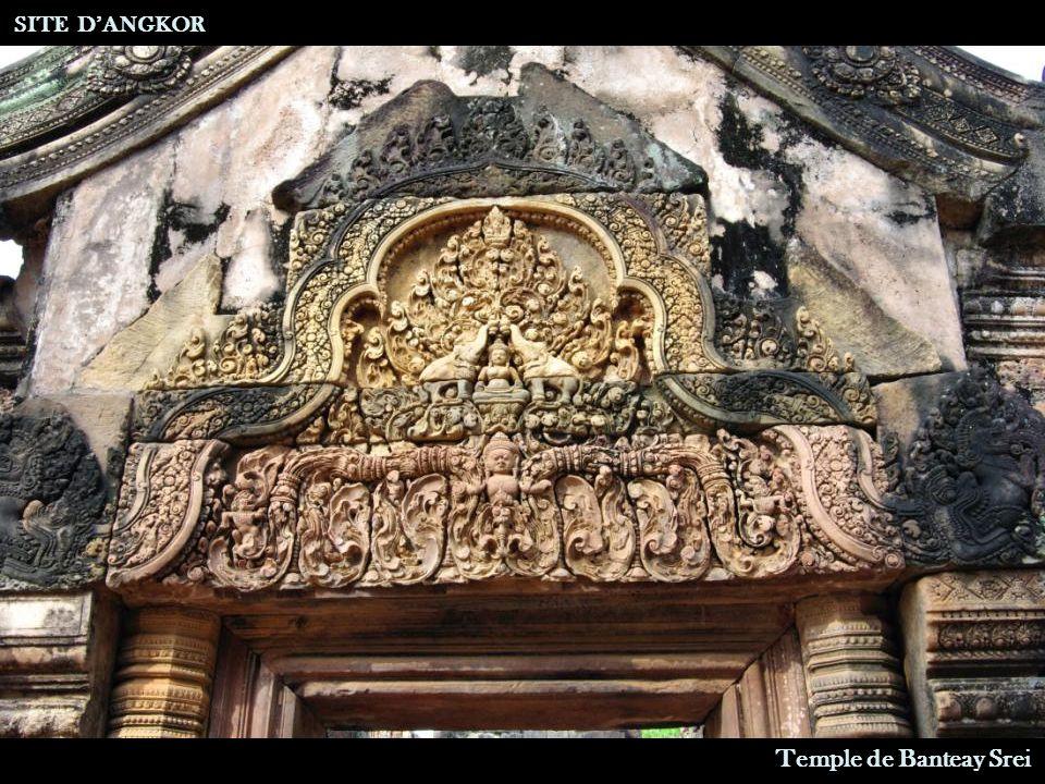 SITE D'ANGKOR Temple de Banteay Srei