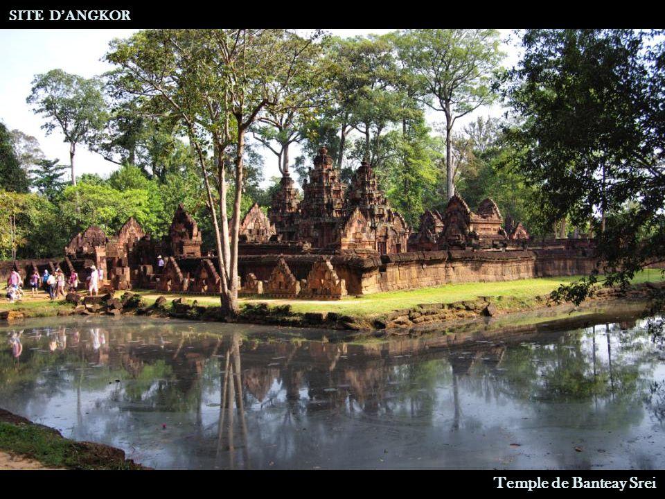 Statue Volée par André Malraux SITE D'ANGKOR Temple de Banteay Srei