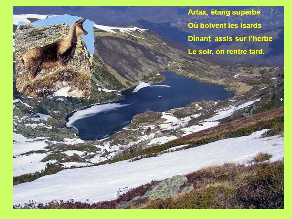 L'étang d'Artax au pied du Pic de Bassibié à 2 114 m