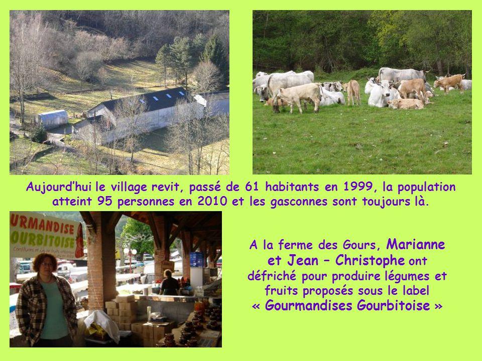 A la fin du 19°s, ne pouvant plus nourrir ses habitants, l'exode s'organise dans l'Ariège. Nos montagnards quittent « esclops » (sabots) et « capéto »