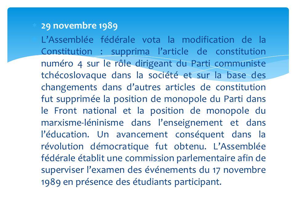  29 novembre 1989  L'Assemblée fédérale vota la modification de la Constitution : supprima l'article de constitution numéro 4 sur le rôle dirigeant