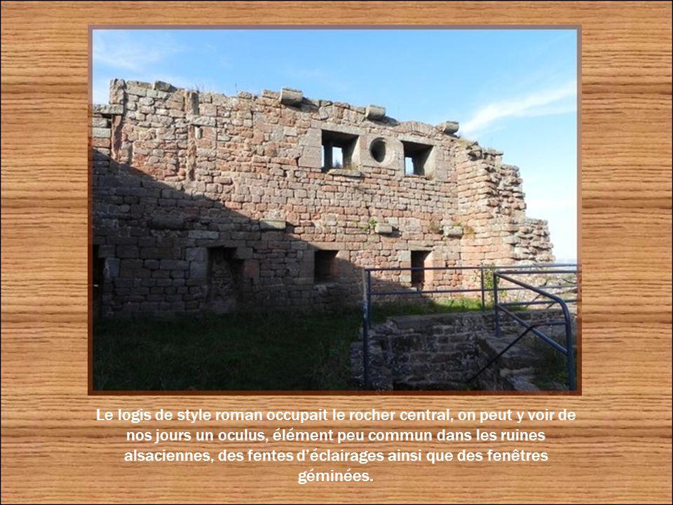 Vue sur l'entrée de la forteresse.
