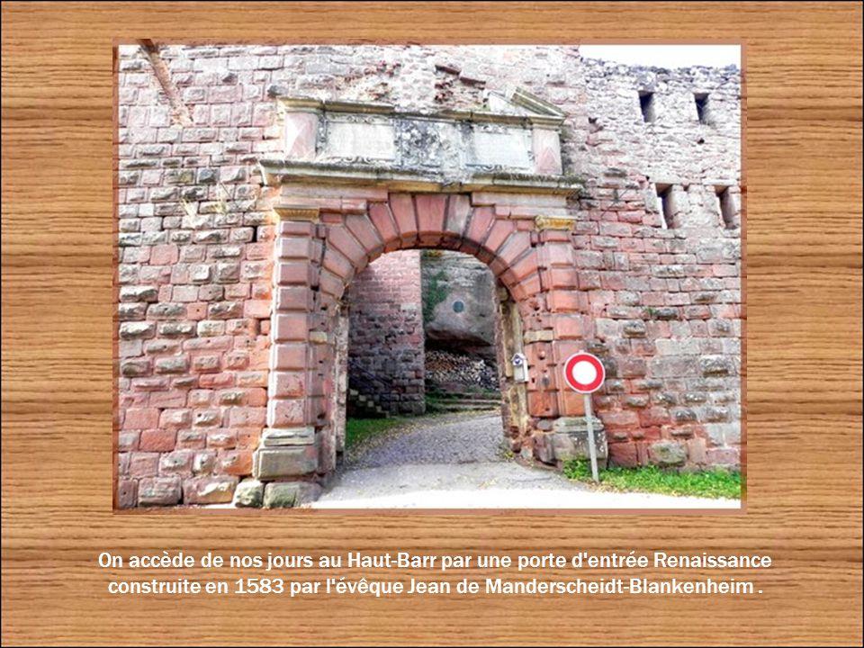 Le Markfels, rocher méridional est relié au précédent par un pont que la tradition populaire a surnommé
