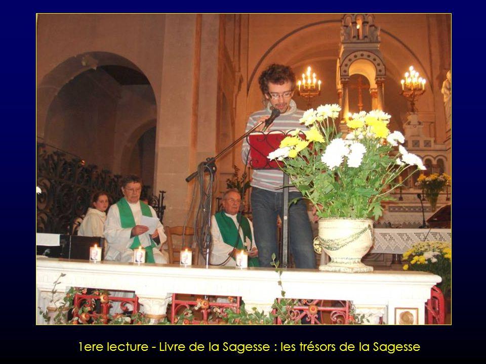 Envoi et Bénédiction par le Père Evêque