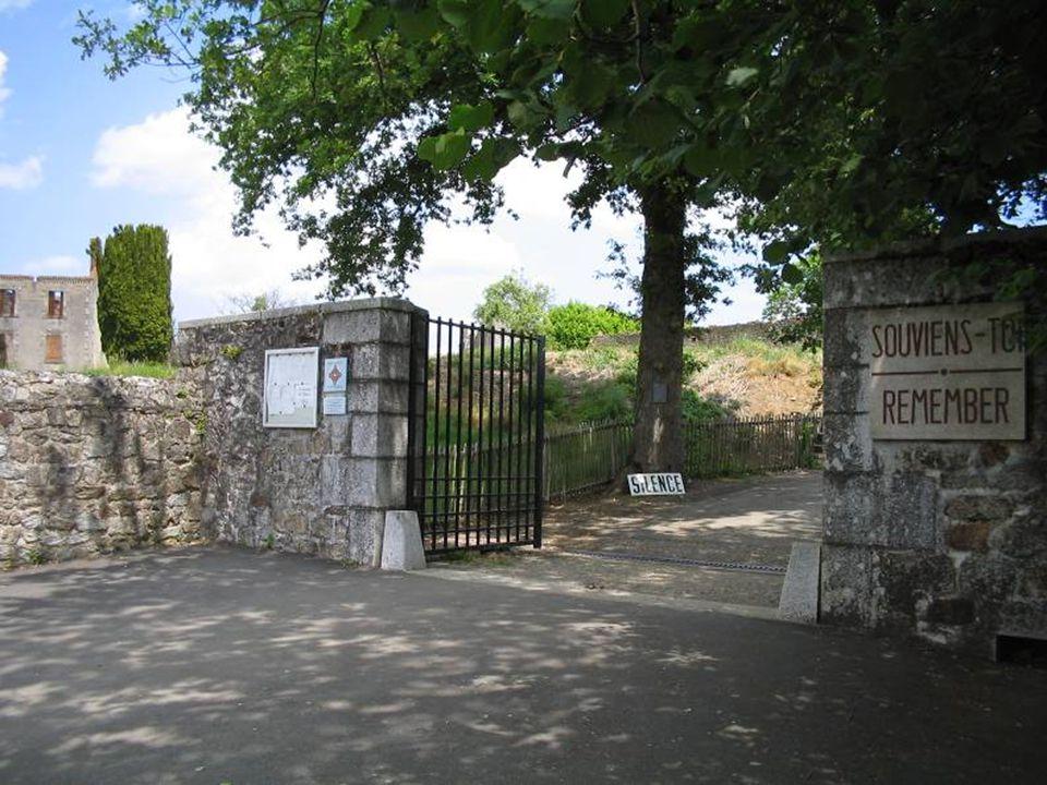Le matin du 10 juin 1944, des chenillettes chargées de soldats allemands s arrêtent à Oradour-sur-Glane.