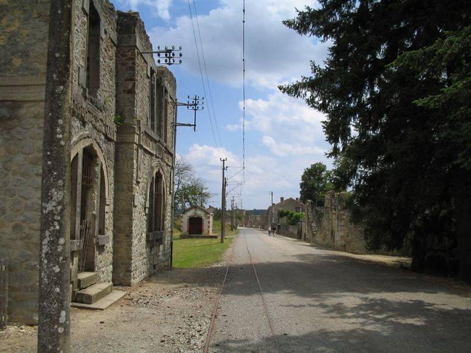 L ensemble du mémorial et du village martyr font d Oradour- sur-Glane le site le plus visité en Limousin.