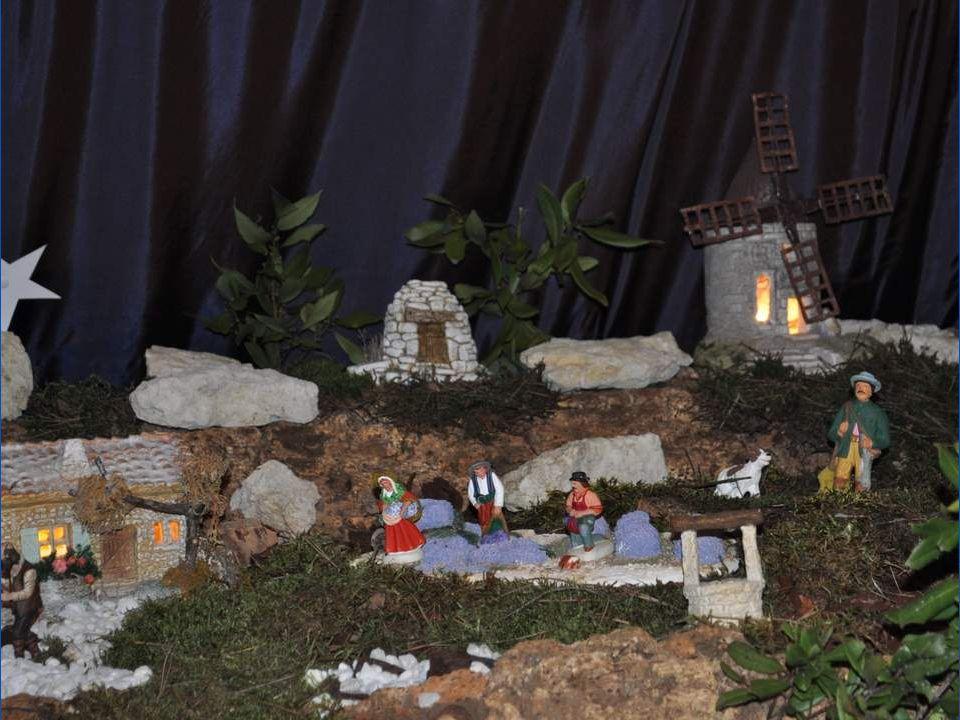 Le petit Jonathan, huit ans, arriva avec les bergers à la crèche de Bethléem.