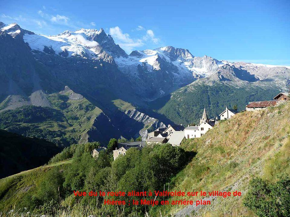 Vue panoramique sur la Meije et le Rateau