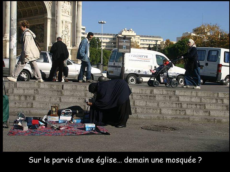Sur le parvis d'une église… demain une mosquée