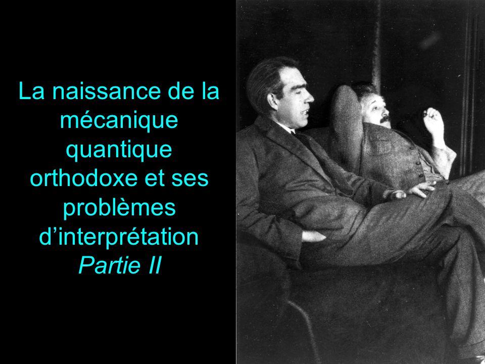 32 Le renoncement au réalisme local Einstein avait envisagé (pour les réfuter dans un raisonnement par l'absurde) ce que seraient les conséquences de la non validité du raisonnement EPR: Soit laisser tomber l'exigence de l'indépendance des réalités physiques présentes dans des parties distinctes de l'espace Ou accepter que la mesure sur S 1 change (instantanément) la situation réelle de S 2 Non localité quantique – Holisme quantique NB: pas de transmission d'un signal utilisable plus vite que la lumière Les propriétés d'une paire de particules intriquées ne se résument pas à la somme des propriétés individuelles des deux particules.