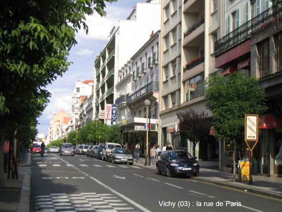 Vichy (03) : la rue de Paris