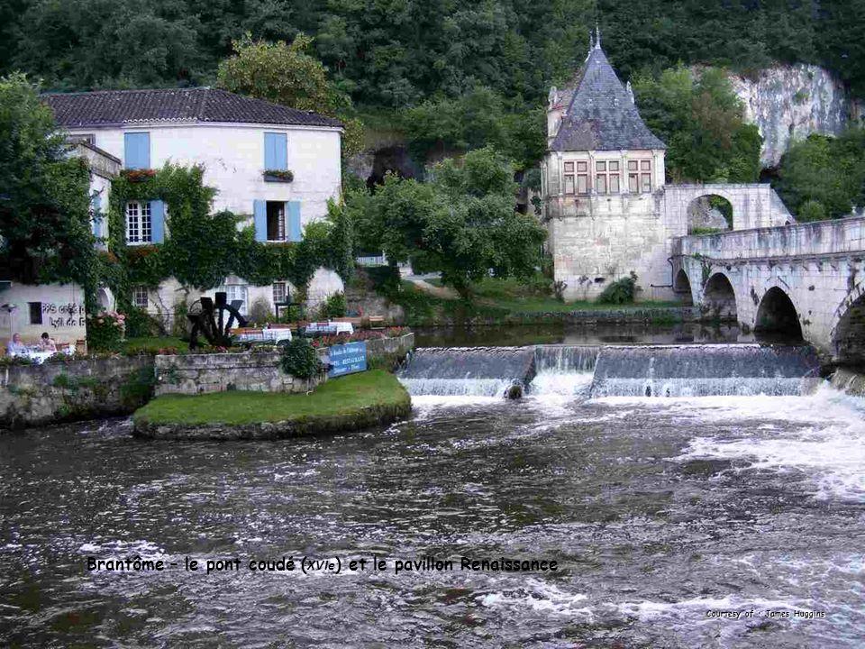 Brantôme – le pont coudé ( XVIe ) et le pavillon Renaissance Courtesy of : James Huggins
