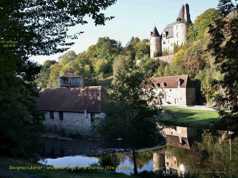Savignac-Lédrier : ancienne forge et le château (XVe & XV I e) courtesy of : rodeur-ci.biz