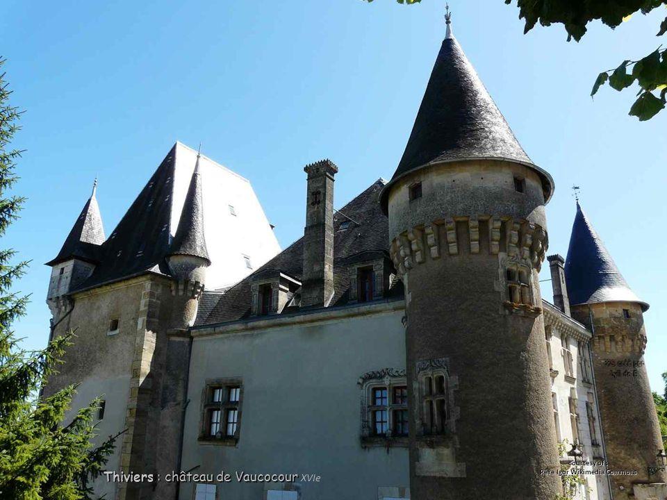 Thiviers : château de Vaucocour Thiviers : château de Vaucocour XVIe courtesy of : Père Igor Wikimedia Commons