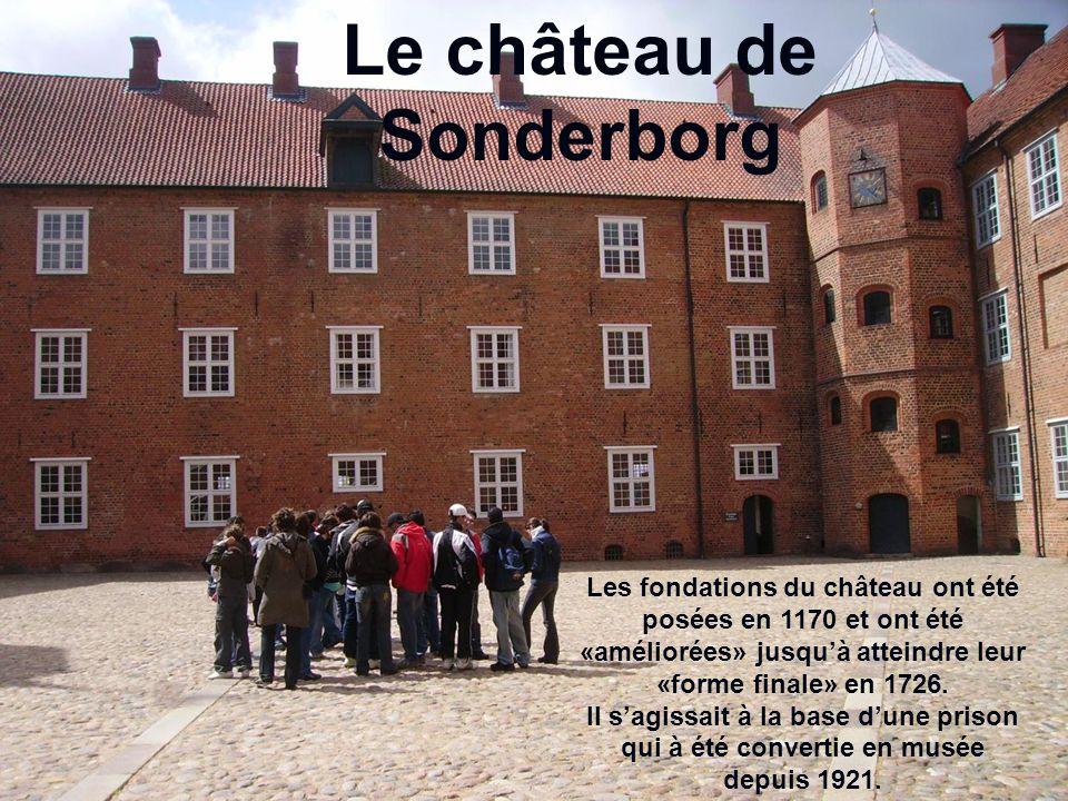 Le château de Sonderborg Les fondations du château ont été posées en 1170 et ont été «améliorées» jusqu'à atteindre leur «forme finale» en 1726.