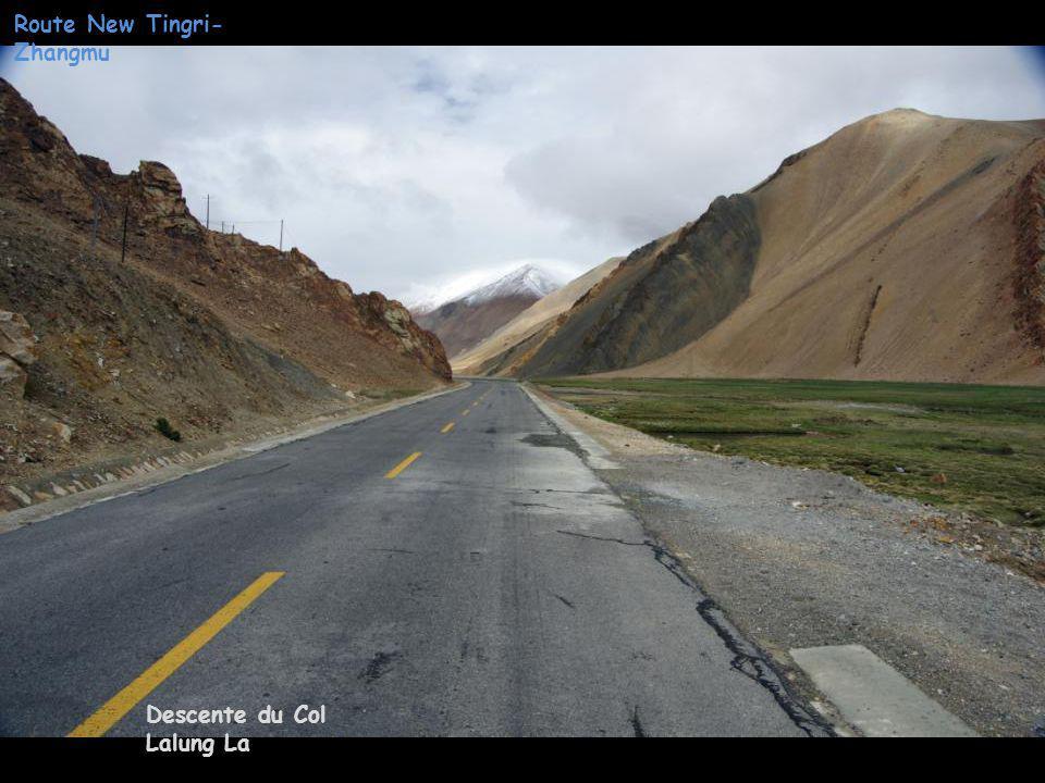 Route New Tingri- Zhangmu Descente du Col Lalung La
