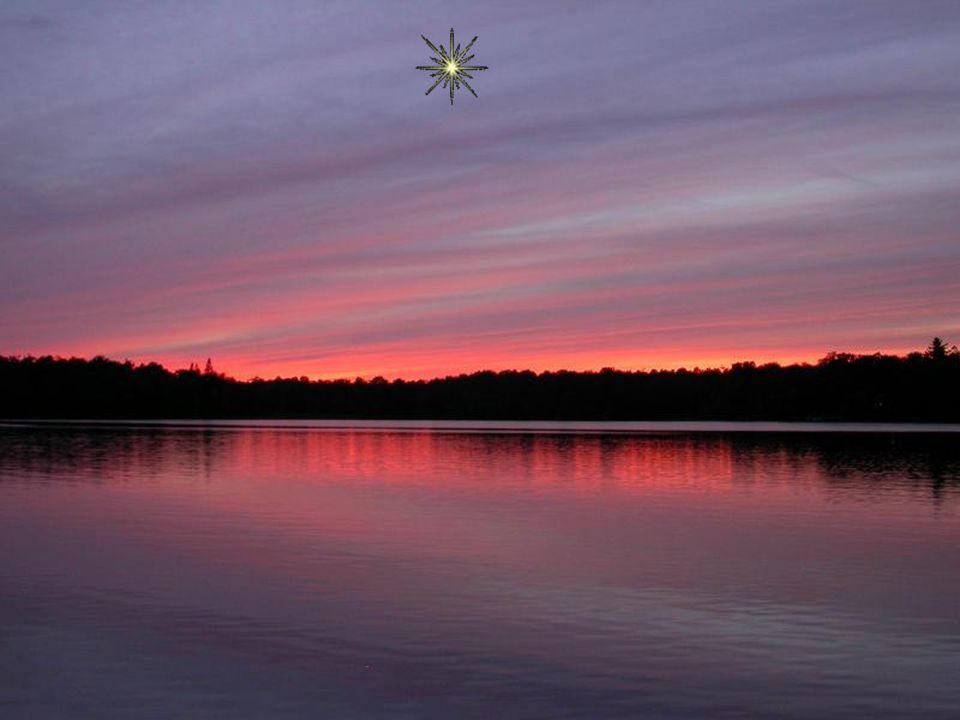 Comme une invitation au voyage, L'étoile élève le regard et repousse les limites. Ose t'approcher de cette lueur, Va plus loin, va toujours plus haut.