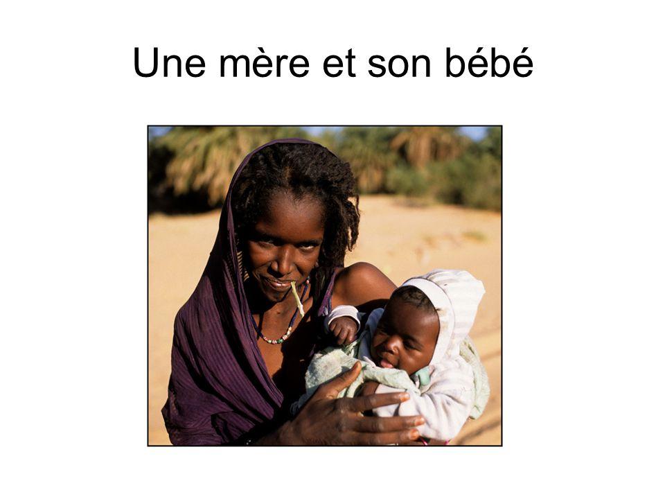 Une mère et son bébé