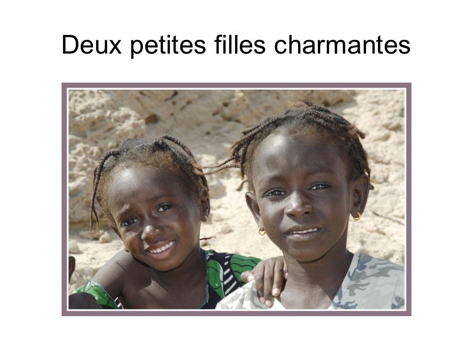 Deux petites filles charmantes