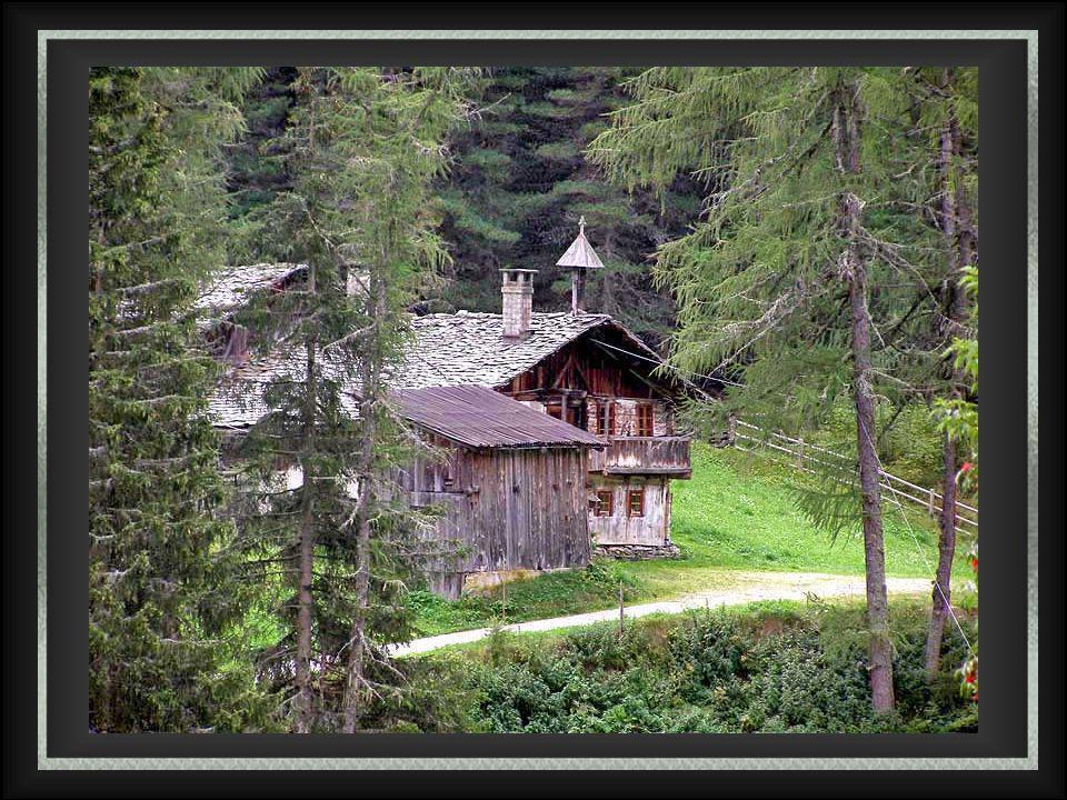 Kasern (1582 m) (dans la municipalité de Predoi) n'est pas seulement la ville la plus septentrionale du Tyrol du Sud, mais aussi de l'Italie (2913m).