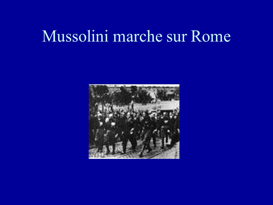 L'arrivée de Mussolini •Dans ce contexte, les chemises noires du parti fasciste mené par Benito Mussolini s'imposent. •Défendant une politique nationa