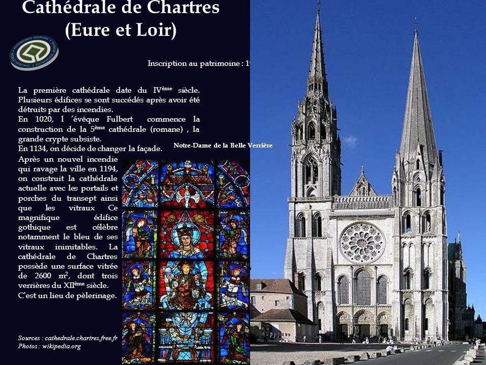 Basilique et colline de Vézelay (Yonne) La basilique de Vézelay domine le village bâti sur une colline. « La colline éternelle ». C'est un chef d'œuvr