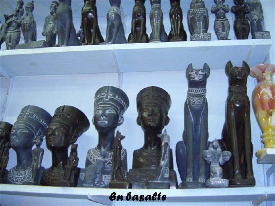 Statues en albâtre