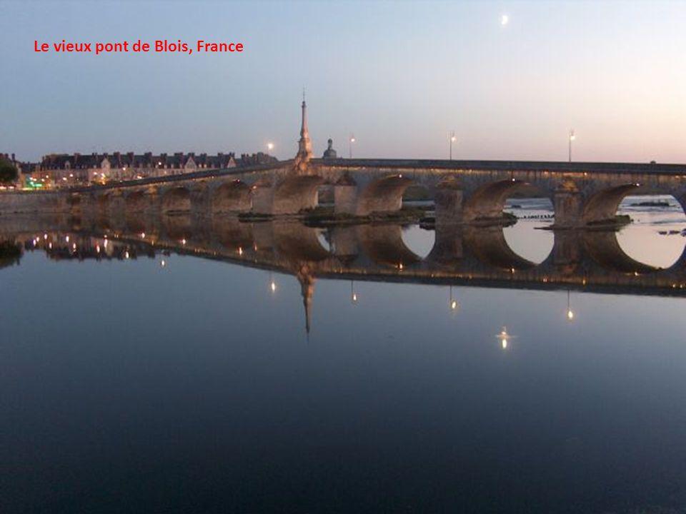 Le pont suspendu de Sidi M'Cid, Algérie