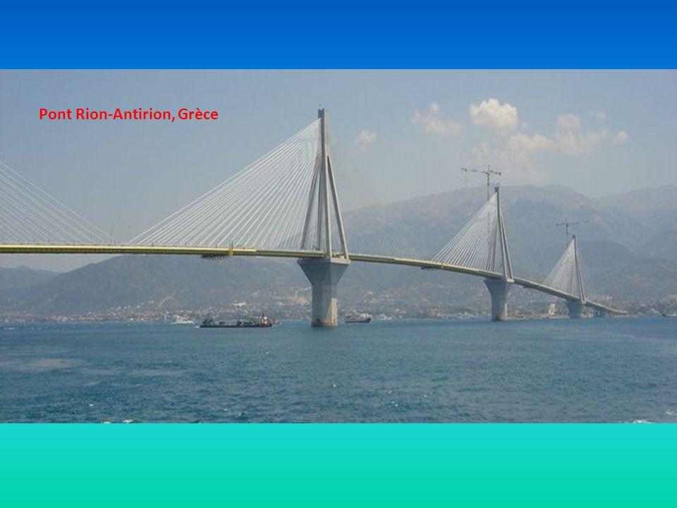 Le célèbre pont Rialto à Venise, Italie
