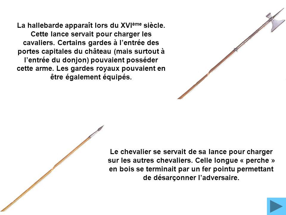 L'épée normale donc plus petite datait quand à elle du XIVè s. Les épées existaient avant mais elles étaient conçues, auparavant, pour poignarder. Le