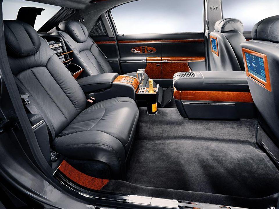 Les sièges arrière comprennent une fonction de massage, avec 7 moteurs électriques.