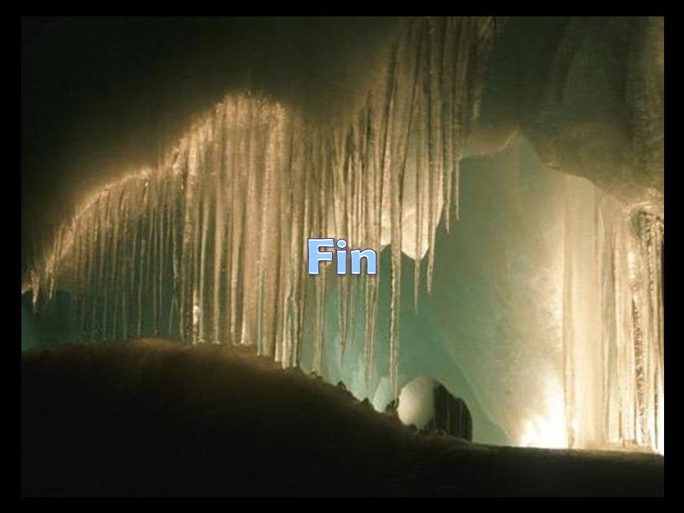 Les célèbres Grottes d'Eisriesenwelt, en Autriche, constituent la grotte de glace plus grande du monde. Actuellement, seulement la partie semblable à