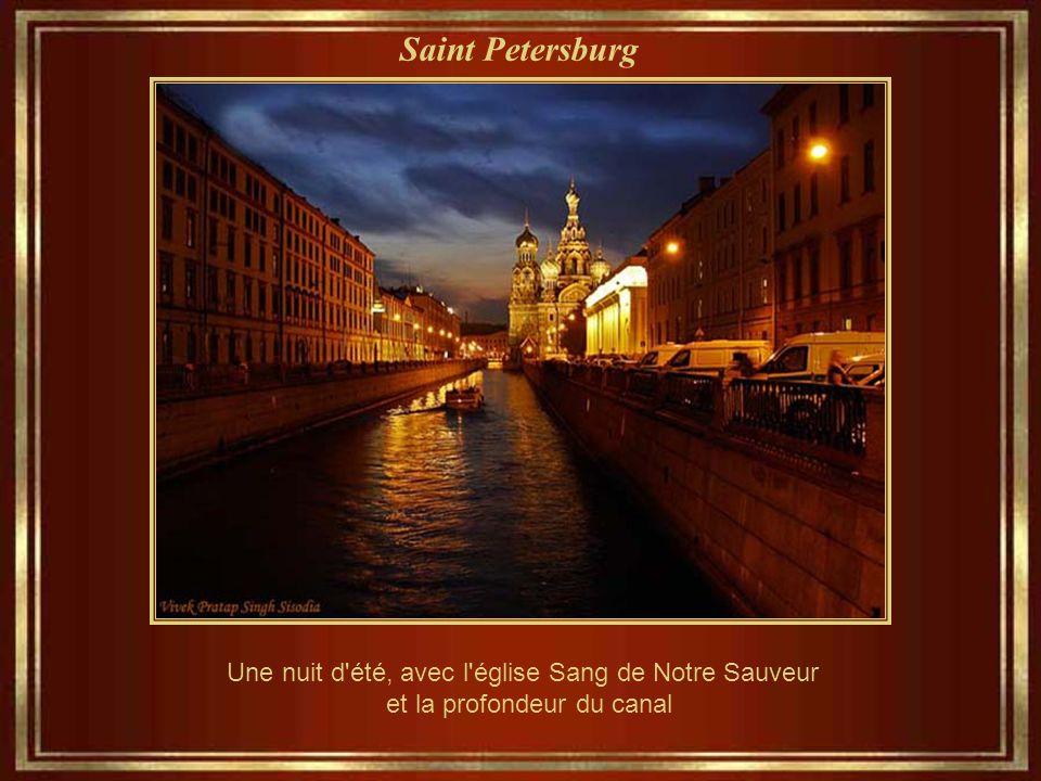 Saint Petersburg « Cruiser Aurora » - lancé en 1900, une étoile brillante de l'empire des chantiers navals, est devenu un symbole de la révolution d'O