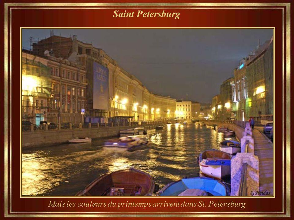 Saint Petersburg... Au même endroit... Lors d' une bonne journée d'hiver...