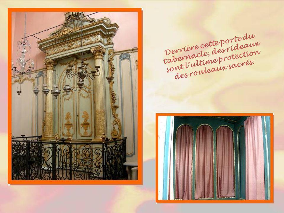 Ce panier fleuri est un autre exemple de décoration baroque provençale.