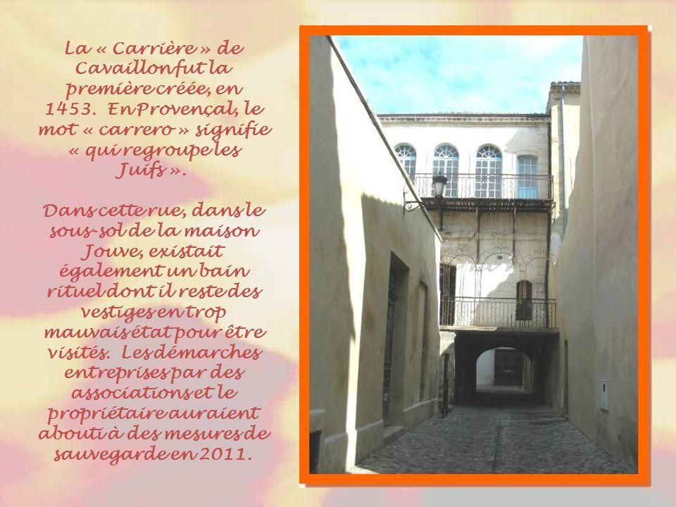 On peut voir ici quelques trésors de cette « Boulangerie » transformée en musée juif contadin. Les livres exposés sont imprimés à Livourne ou Amsterda